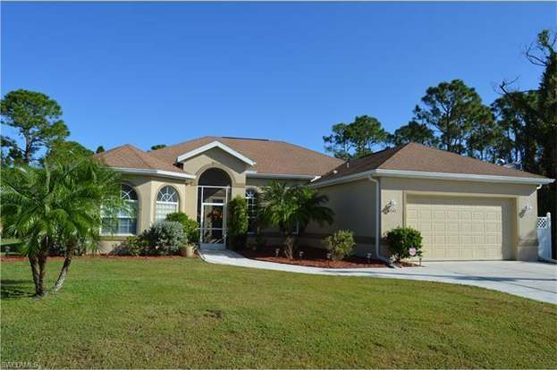 6741 Eagle Tree Ct, North Fort Myers, FL 33917 - 4 beds/2 baths