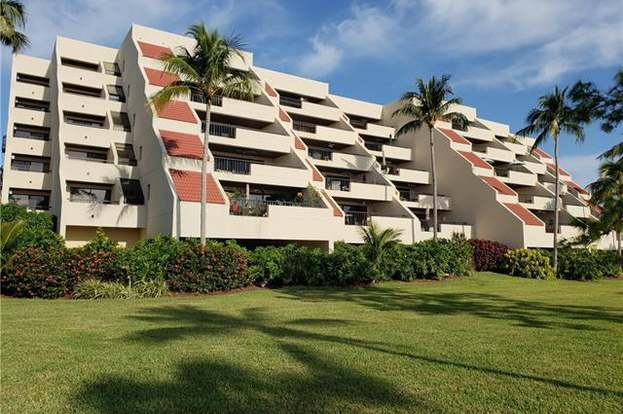 Groovy 6350 Pelican Bay Blvd Unit B 203 Naples Fl 34108 2 Beds 2 5 Baths Interior Design Ideas Inamawefileorg