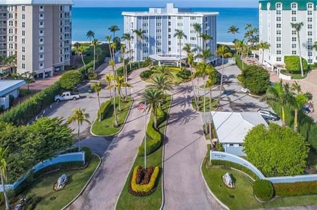2919 Gulf Shore Blvd N #702, Naples, FL 34103