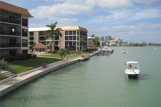 2900 Gulf Shore Blvd N #404, Naples, FL 34103