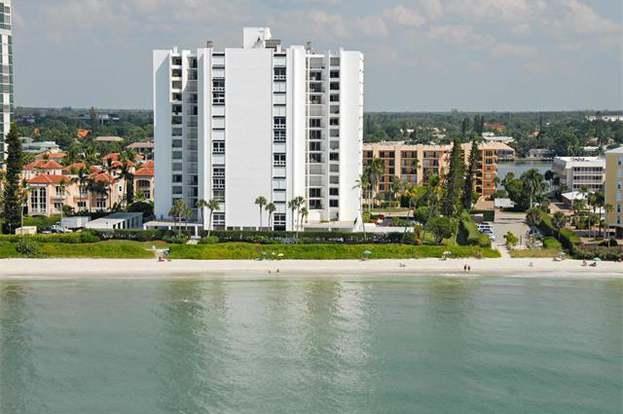 3951 Gulf Shore Blvd N #801, Naples, FL 34103
