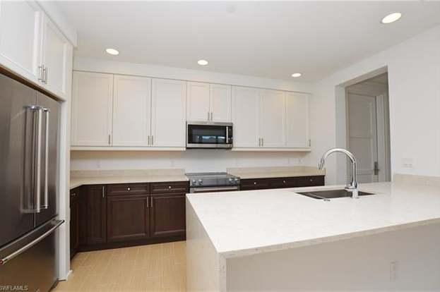 1035 3rd Ave S #518, Naples, FL 34102 - 2 beds/2.5 baths
