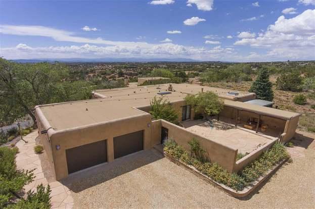 823 Gonzales, Santa Fe, NM 87501 - 3 beds/2 baths