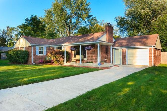 2907 Hickory Lawn Rd, Rochester Hills, MI 48307