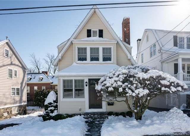 Single Family Residential at address 9 Bolling Pl, Greenwich