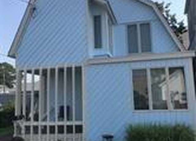 Single Family Residential at address 15 Stowe Ave, Walnut Beach