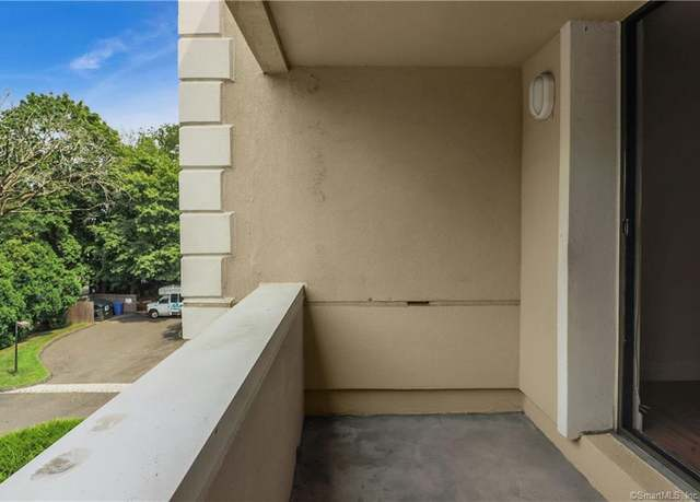 Condo/Co-op at address 1535 E Putnam Ave #306, Old Greenwich