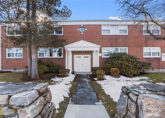 Condo/Co-op at address 38 Courtland Ave #1, Glenbrook
