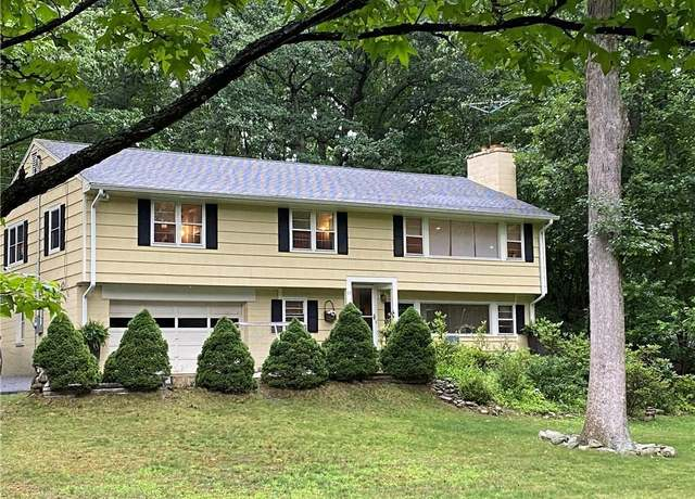 Single Family Residential at address 11 Silver Lakes Dr, Darien