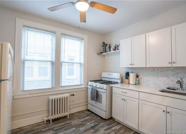 Condo/Co-op at address 639 Summer St #21, Stamford