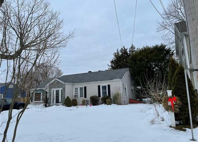 Single Family Residential at address 102 Sutton Dr, Glenbrook