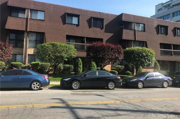 Lovely 25 2nd St Unit B3, Stamford, CT 06905