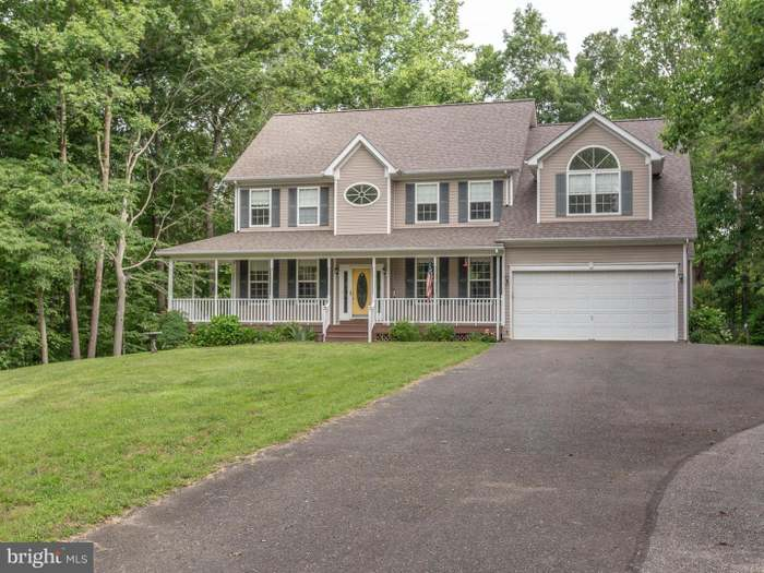 635 Winery Ct, Owings, MD 20736 - 4 beds/3 5 baths