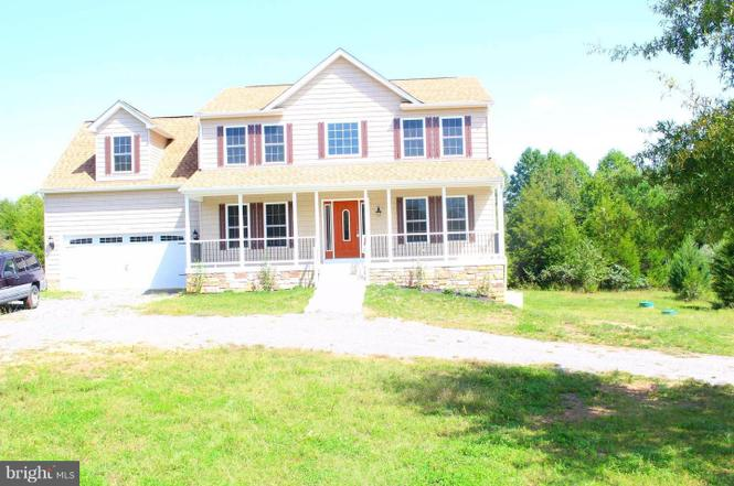 Image of: Couple Photos And Other Media Redfin 9925 Old Travelers Rd Spotsylvania Va 22551 Mls 1000094357 Redfin