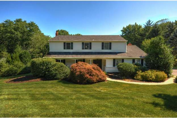 56 S Forge Manor Dr Phoenixville Pa 19460 Mls 1002194022 Redfin