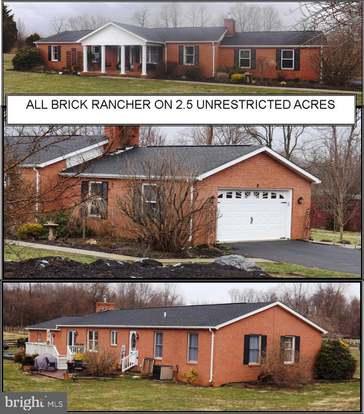 1621 Lost Rd, Martinsburg, WV 25403 - 3 beds/2 baths