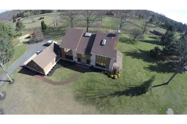 9 Baldwin Hill Pl Moorestown Nj 08057