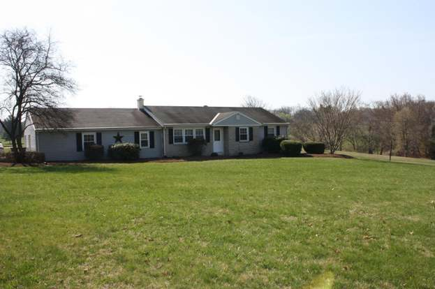 32 smith rd schwenksville pa 19473 mls 1000399128 redfin rh redfin com