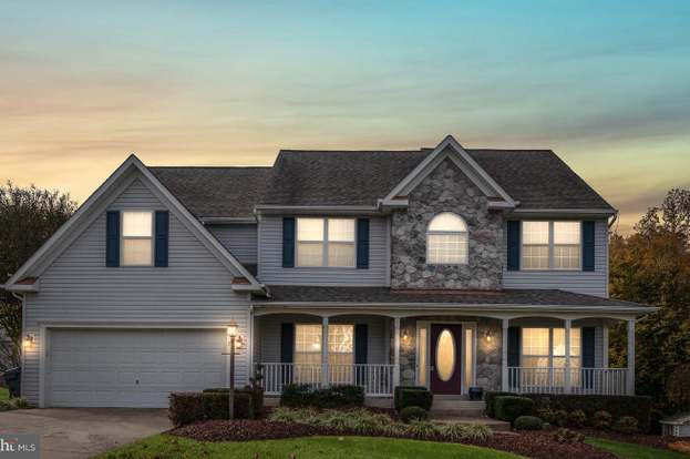 Cox provides high speed Internet, streaming TV - both live and on-demand, home telephone, and smart home security solutions for its residential customers.