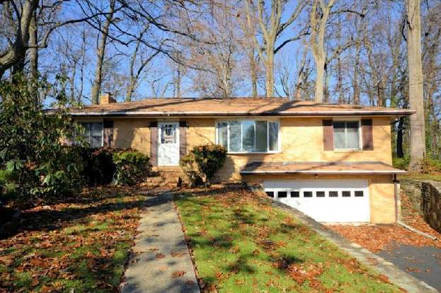 Magnificent 3009 Oakwood Dr Plymouth Meeting Pa 19462 3 Beds 2 Baths Beutiful Home Inspiration Ommitmahrainfo