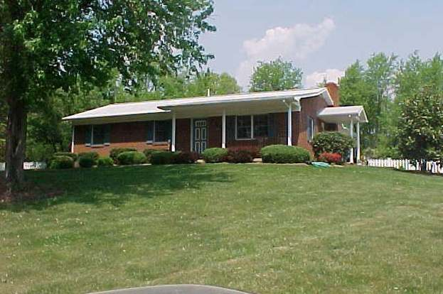 575 Appletree Ln, Woodstock, VA 22664 - 3 beds/1 5 baths