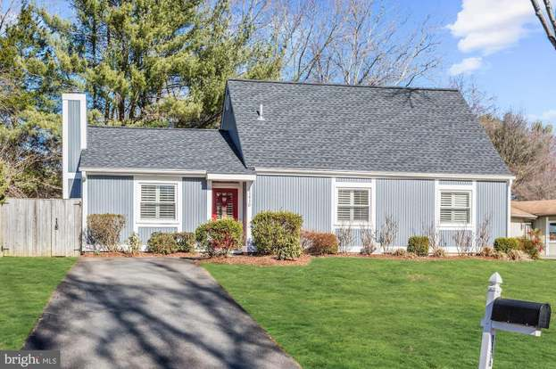 11410 Great Meadow Dr, Reston, VA 20191 - 3 beds/2 baths on