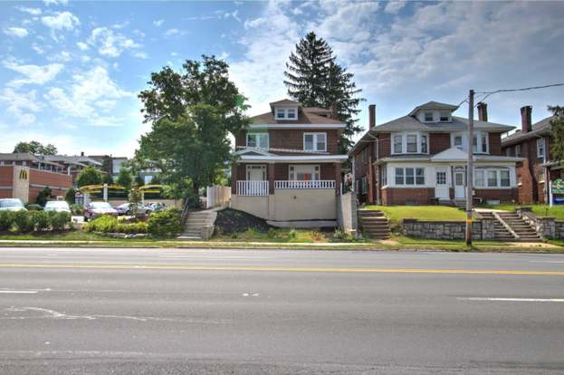 426 Lancaster Ave, Reading, PA 19611 - 7 beds/2 5 baths