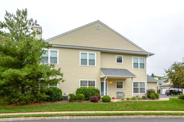 2802 Waterford Rd #105, Morrisville, PA 19067 - 2 beds/2 baths
