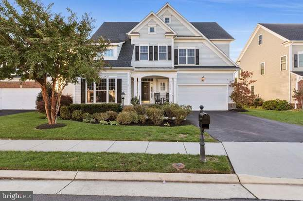 42445 Meadow Sage Dr, Brambleton, VA 20148 - 4 beds/4 5 baths