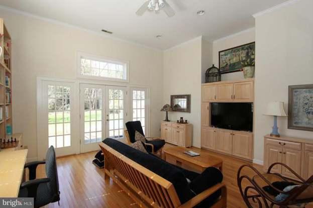 6910 Westmoreland Ave, Takoma Park, MD 20912   3 Beds/2 Baths