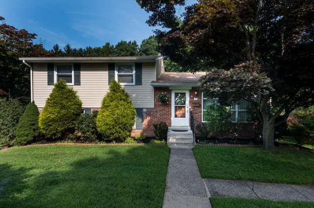 8 Rose Tree Dr Broomall Pa 19008 Mls 1002589754 Redfin