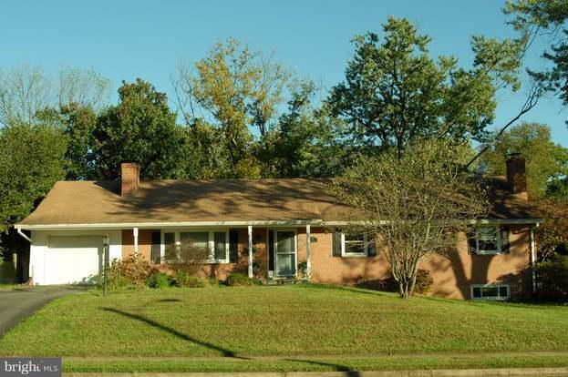 1733 Dalewood Pl, Mclean, VA 22101 - 4 beds/3 baths
