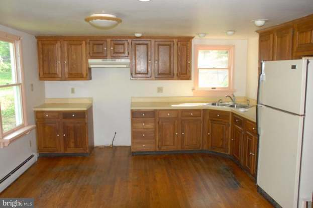 4127 Rock Hall Rd, Point Of Rocks, MD 21777 - 3 beds/2 baths