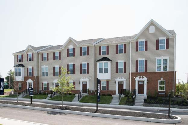 267 Compass Dr, Lansdale, PA 19446 - 3 beds/2 5 baths
