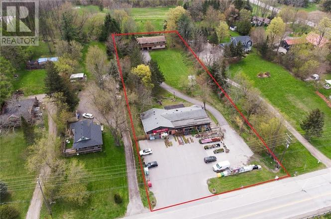 2012 Governors Rd, Hamilton - 3 beds/3 baths