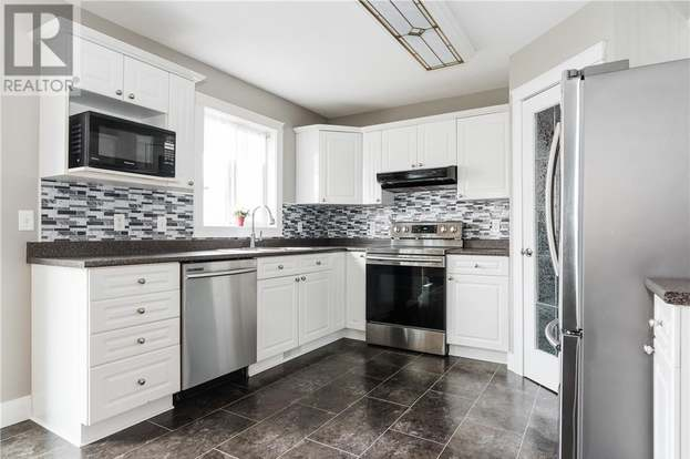 209 Campbell Cres, Fort McMurray - 4 beds/4 baths