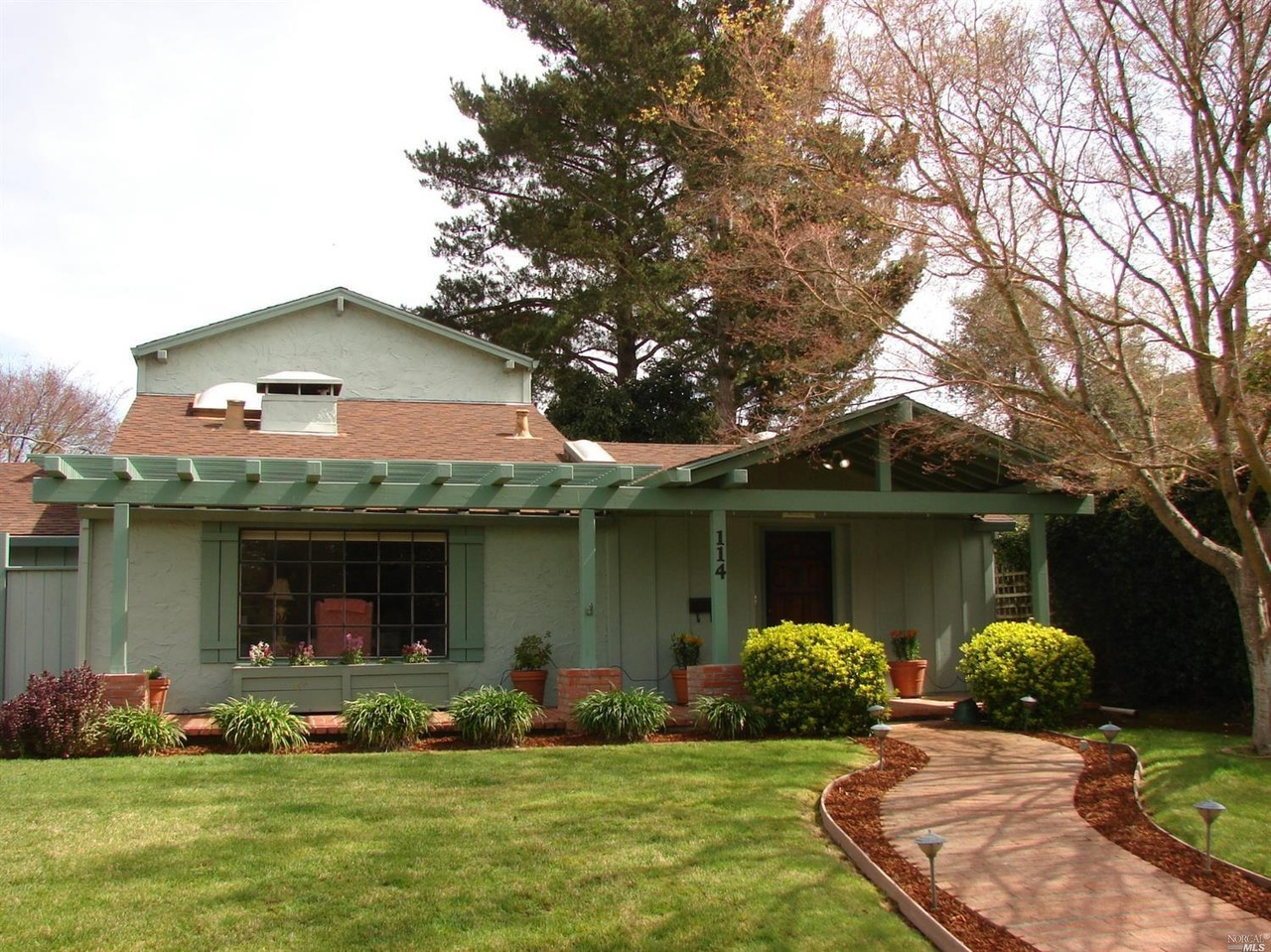 114 Acacia Ave, Napa, CA 94558 | MLS# 21805689 | Redfin
