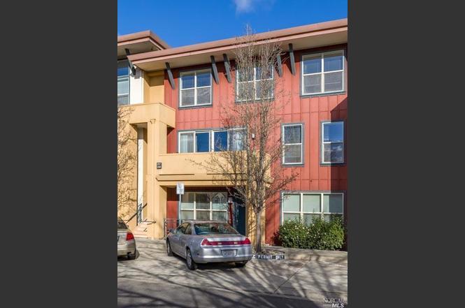 1040 Campoy St 207 Santa Rosa CA 95407