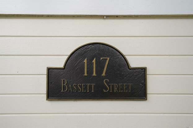 117 Bassett St, Petaluma, CA 94952 - 2 beds/1 bath