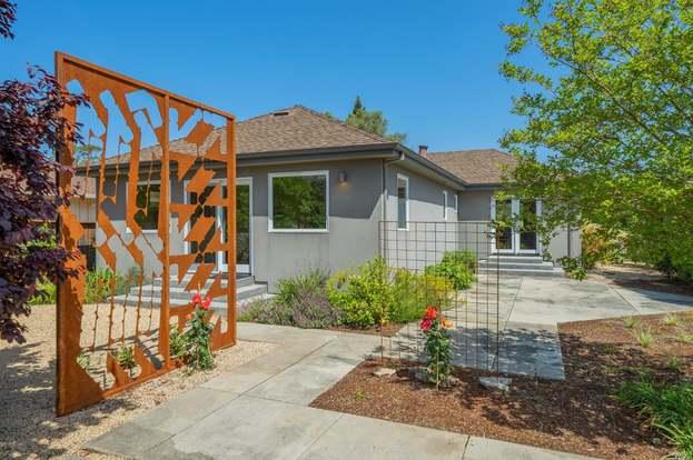 203 W Spain St, Sonoma, CA 95476 - 3 beds/3 baths