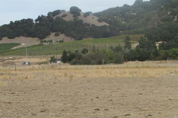 585 Hunter Ln, Santa Rosa, CA 95404