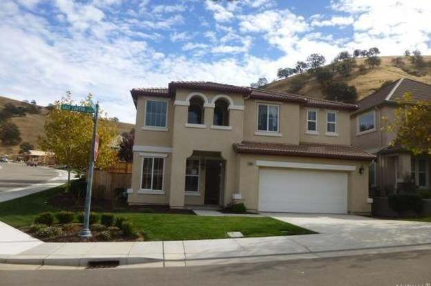 20660 Golf Canyon Ct, Patterson, CA 95363 - 4 beds/2 5 baths