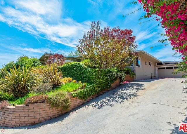 Photo of 1045 Glenhaven Dr, Pacific Palisades, CA 90272