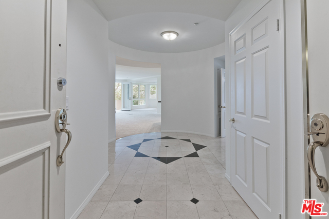 121 N Almont Dr #203, Beverly Hills, CA 90211 - 2 beds/2 5 baths