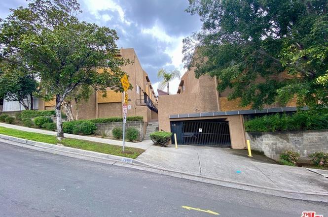 Cochran Ave Los Angeles Mls
