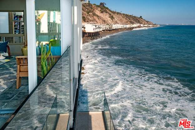 20718 Pacific Coast Hwy #4, Malibu, CA 90265 - 2 beds/2 baths