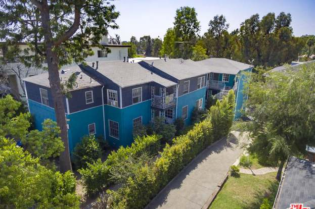 621 Midvale Ave, Los Angeles, CA 90024 - 5 beds/11 baths