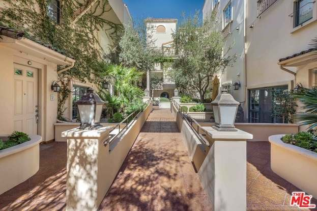 851 N San Vicente #108, West Hollywood, CA 90069 - 2 beds/2 baths
