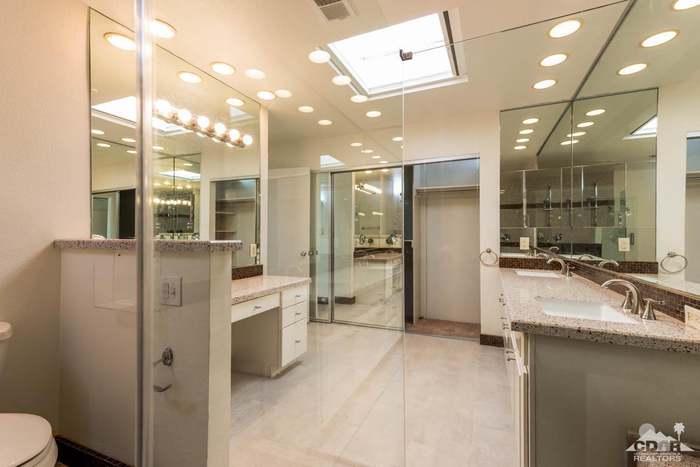159 Avenida Las Palmas, Rancho Mirage, CA 92270 - 3 beds/2 25 baths