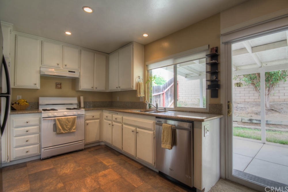 9132 Devon St, Rancho Cucamonga, CA 91730 | MLS# CV15165713 | Redfin